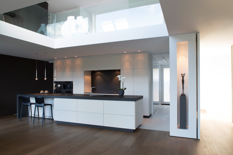 Moderne Design Keuken Met Keukeneiland : Mooie witte moderne design ...