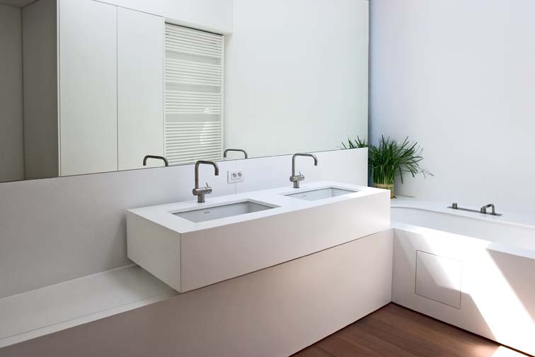 Moderne Witte Badkamer : Keukens & interieur woonproject aalter